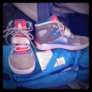 Adidas roadhouse basketball shoes